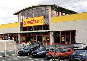 Lumber and hardware stores diy stores in prague feelhome for Pool baumax